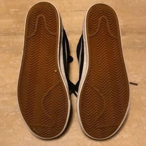 lowest price 381e3 62f1e Nike Shoes - Nike SB Swoosh Vintage High Cuts Size 5 Black Kids